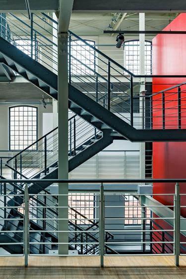 Farbe/ Form/ Material - Treppenhaus